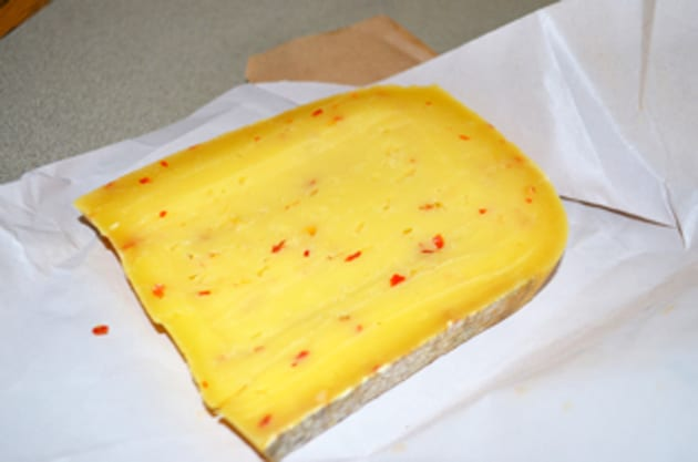 Martha & Tom's Farm American Gouda with Red Pepper