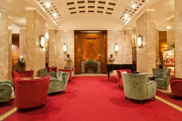 Hotel Mediterraneo Lobby