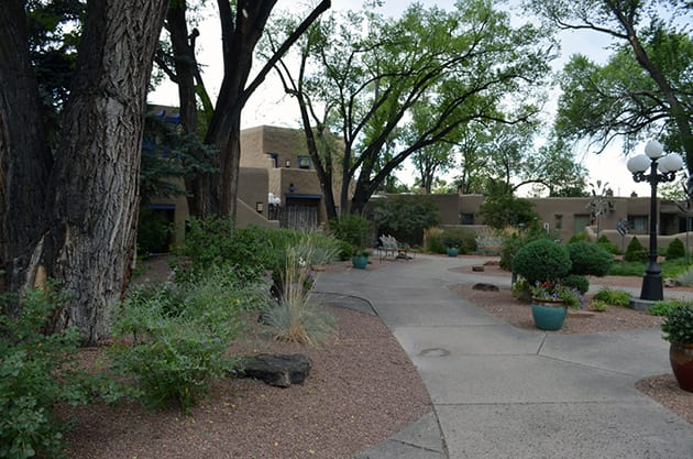 La Posada pet-friendly Grounds