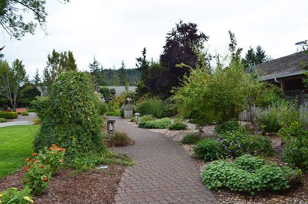 Village Green Resort Cottage Grove